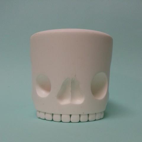 Skull blue BG
